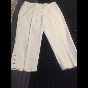 Women's size 14 pull up capris